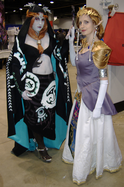 Zelda and Midna cosplayers